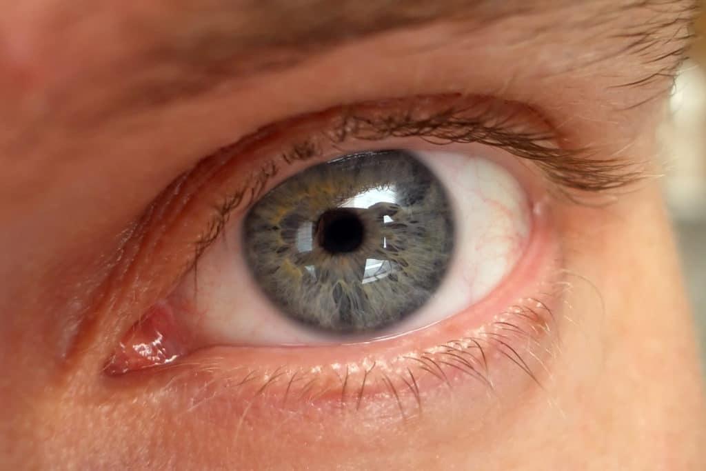 Ангиопатия сетчатки глаза у детей — причины, симптомы и лечение
