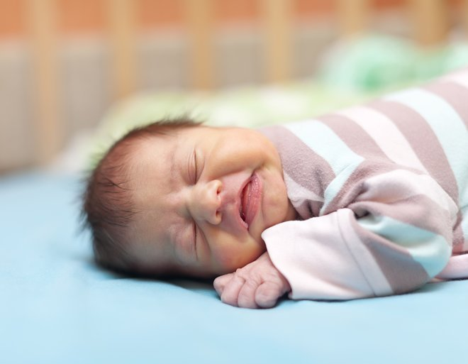 Почему ребенок храпит во сне - храп носом у грудничка, младенца | во сне