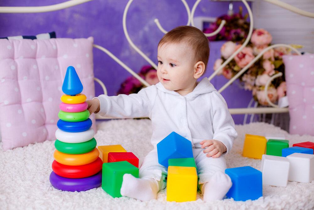 Как научить ребенка собирать пирамидку, когда он должен уметь сделать это самостоятельно и другие вопросы