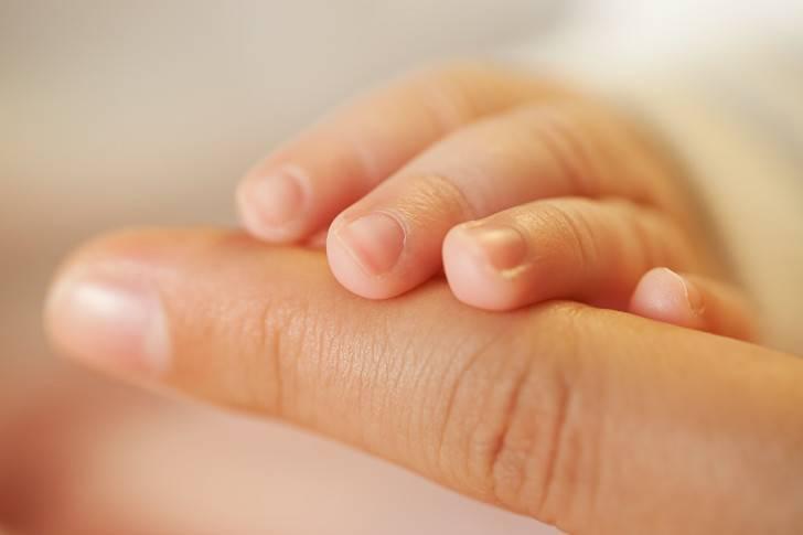 Почему у ребенка слоятся ногти на руках и как это лечить