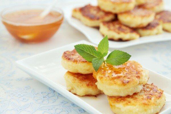 Сырники в мультиварке: классические, на пару, с манкой и пп сырники - пошаговый рецепт с фото