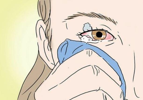 Первая помощь ребенку при попадании песка в глаза