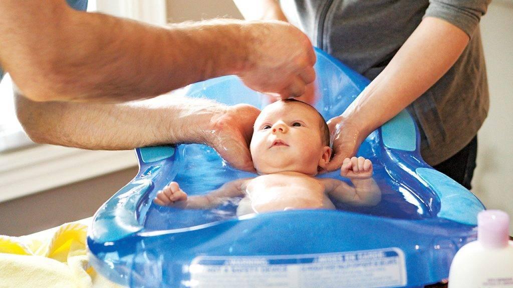 Грудное вскармливание в первые дни: как наладить лактацию в роддоме