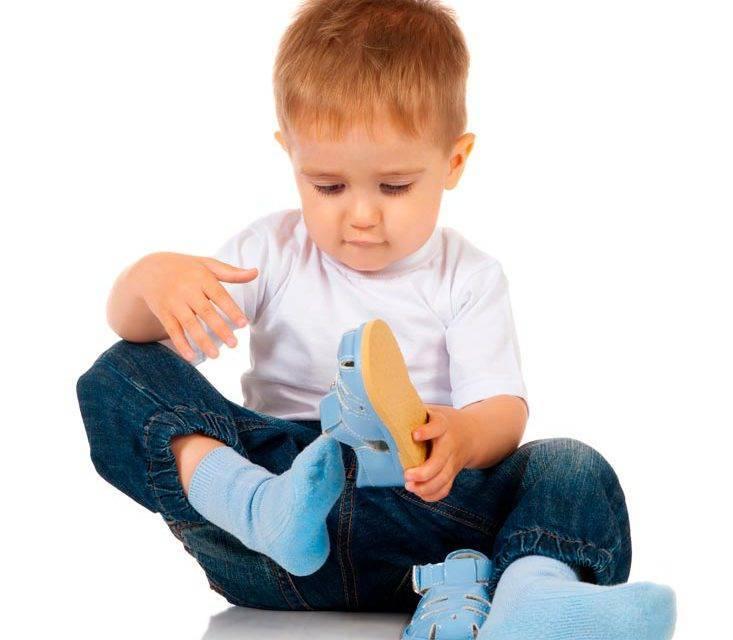 Как научить ребенка одеваться самостоятельно | уроки для мам