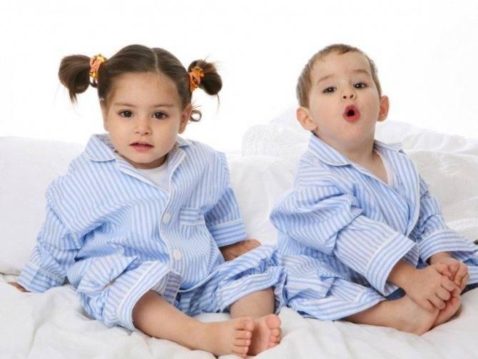 Как воспитывать двойняшек: мальчика и девочку
