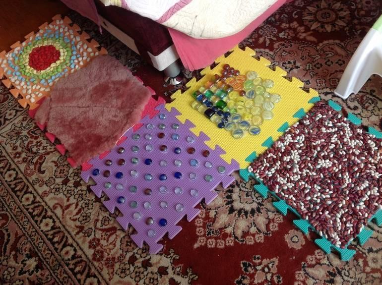 Ортопедические коврики для детей для ног: как сделать своими руками и упражнения на ортопедическом коврике для детей | ревматолог