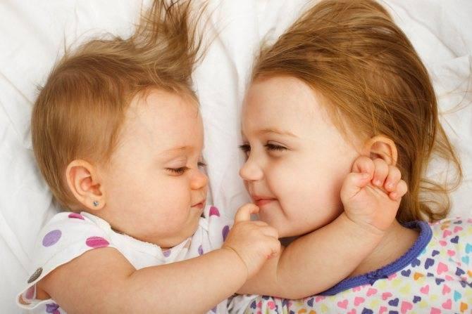 Дети-погодки: трудности и радости