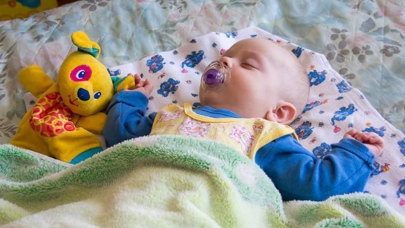 Отход ко сну сопровождается детским плачем: почему так бывает