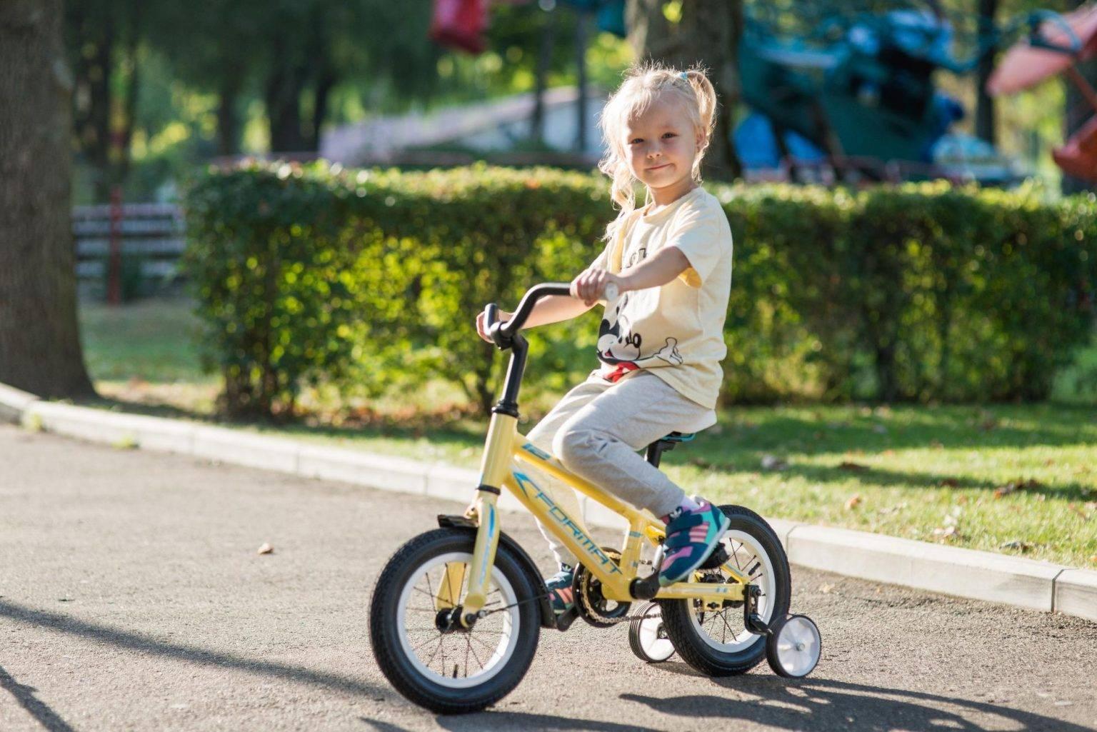 Как быстро научить ребенка кататься на двухколесном велосипеде