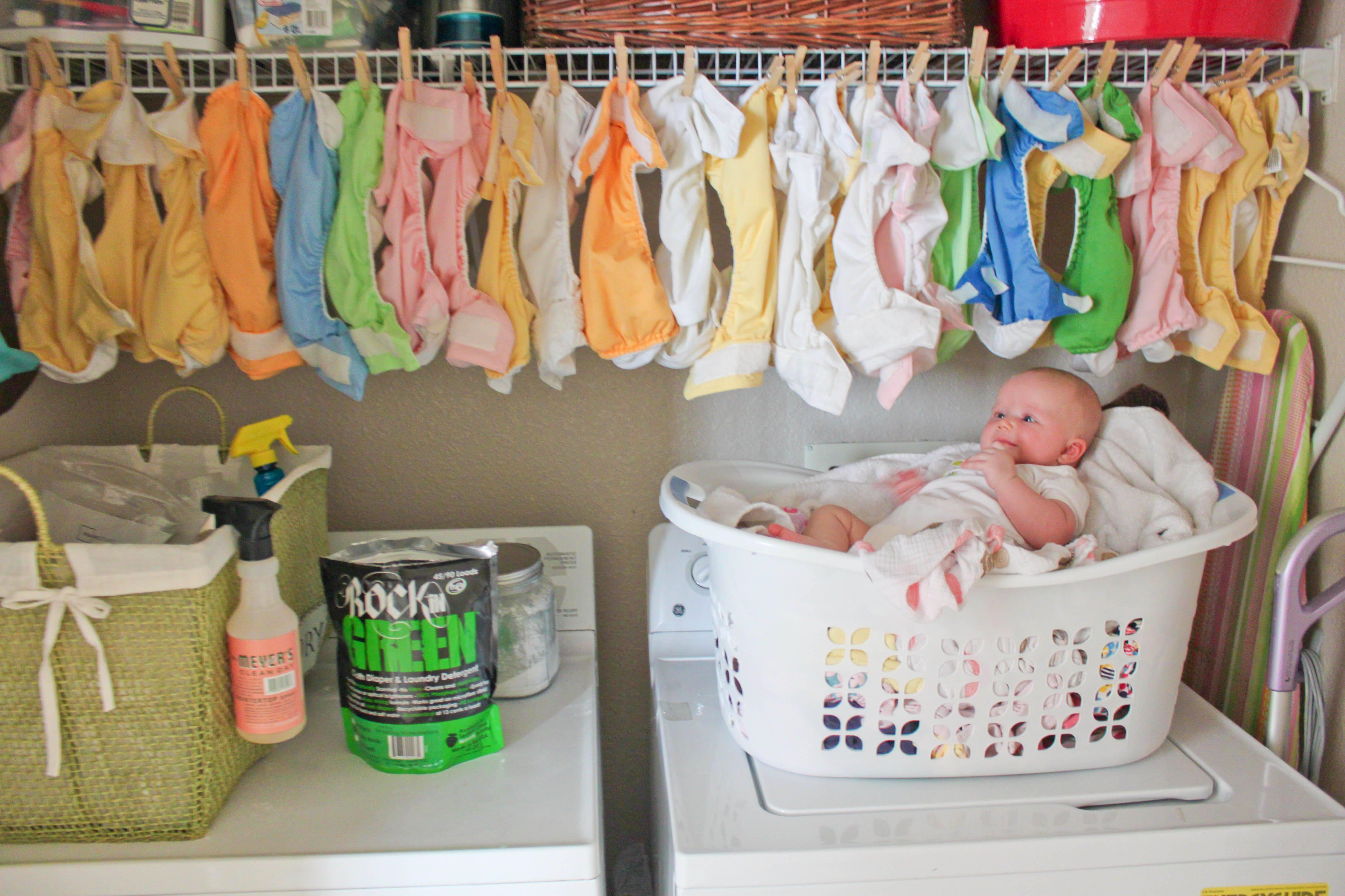 Важные правила, которые должны соблюдать родители, стирая вещи новорожденного