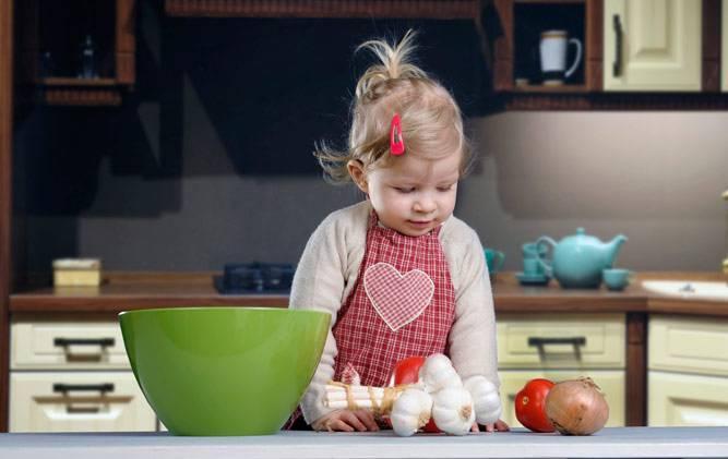 Правила введения лука в прикорм ребенку