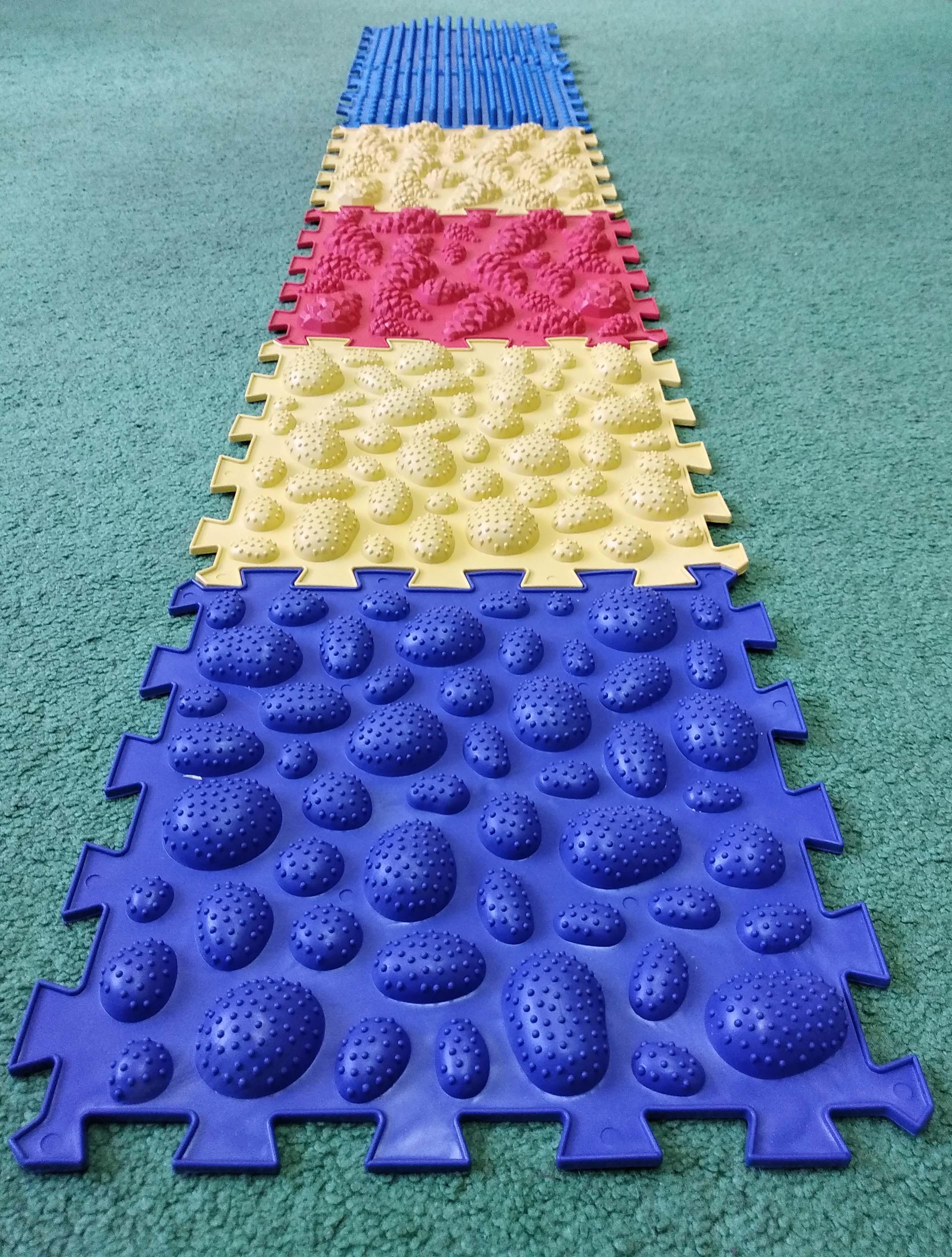 Ортопедический массажный коврик для детей: упражнения и отзывы