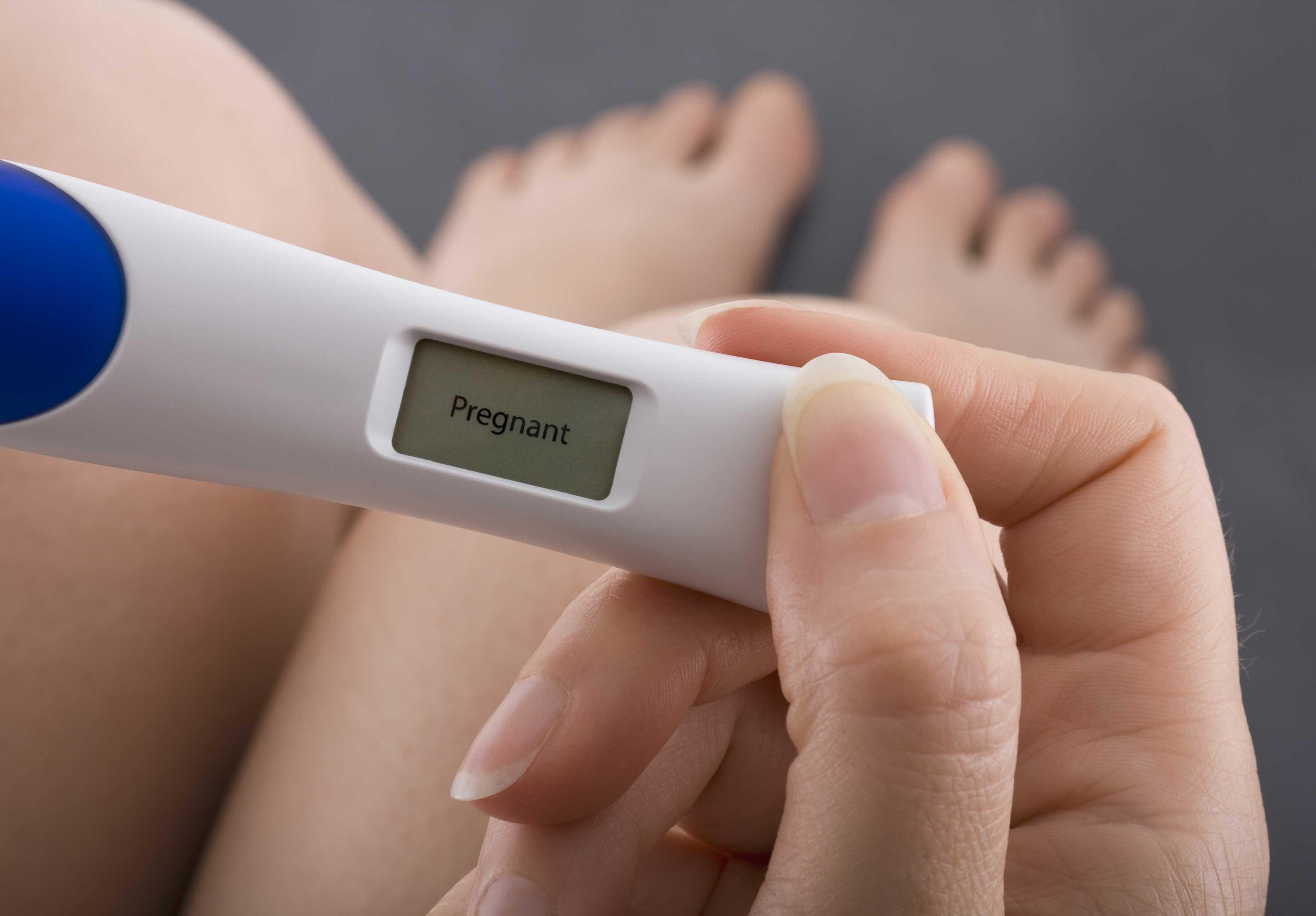 Может ли гинеколог при осмотре на ранних сроках диагностировать беременность?