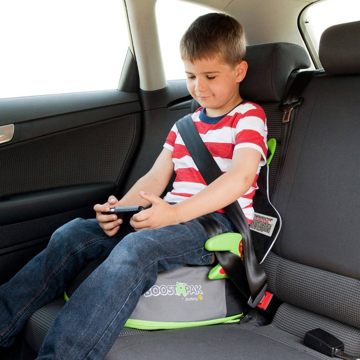 Что надо знать о безопасности детских кресел и бустеров
