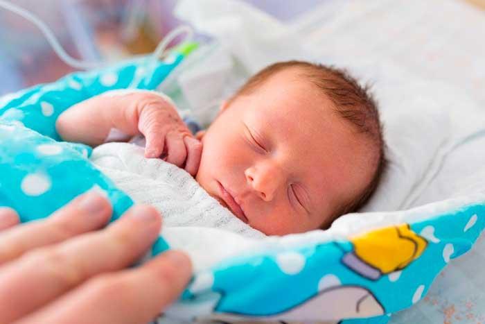 Как понять, что новорожденный замерз | уроки для мам