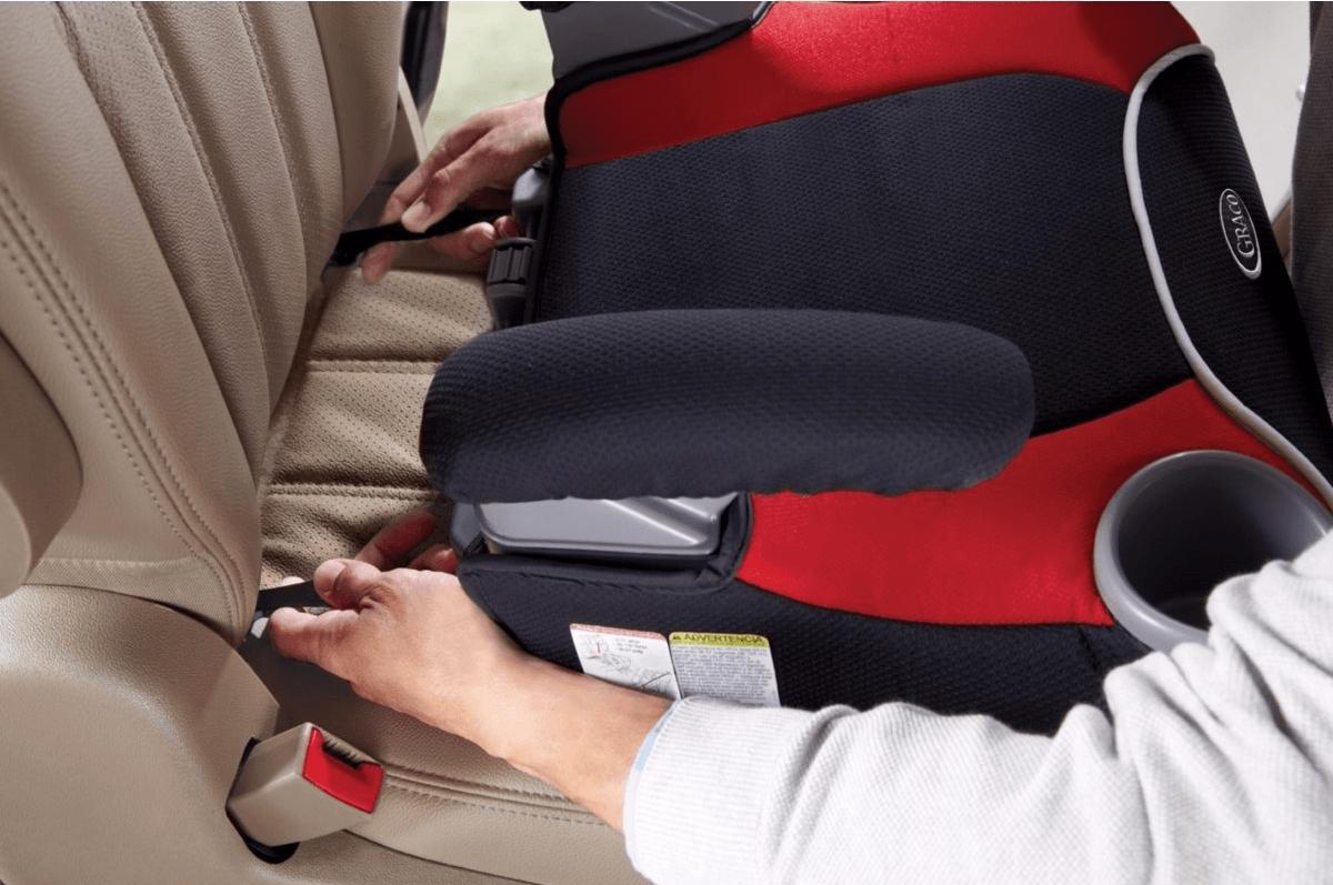 Детские удерживающие устройства для автомобиля