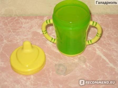 Как научить ребенка пить с чашки? 3 полезных совета
