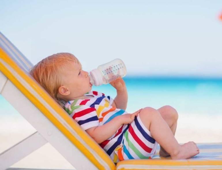 Отдых с малышом на море: что нужно знать родителям?