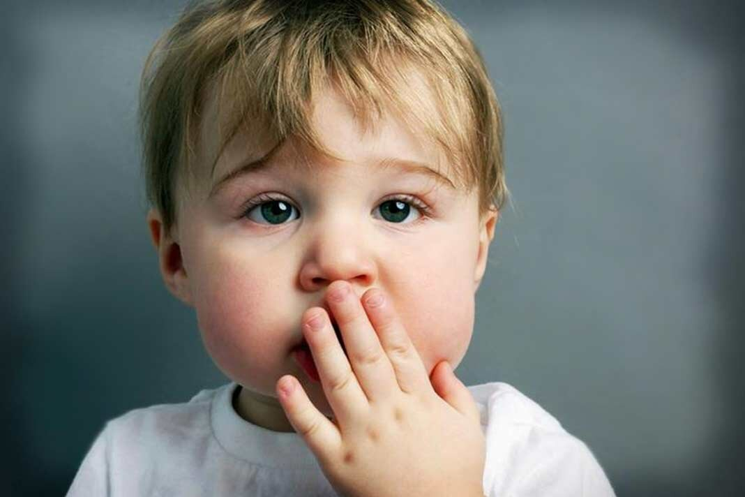 У ребенка постоянно открыт рот. почему новорожденный ребенок часто спит с открытым ртом: распространенные причины и помощь грудничку ребенка постоянно открыт рот делать