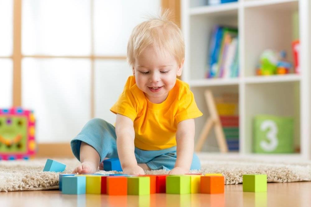Игры с 8 месячным ребенком: во что играть и как, какие развивающие для малыша