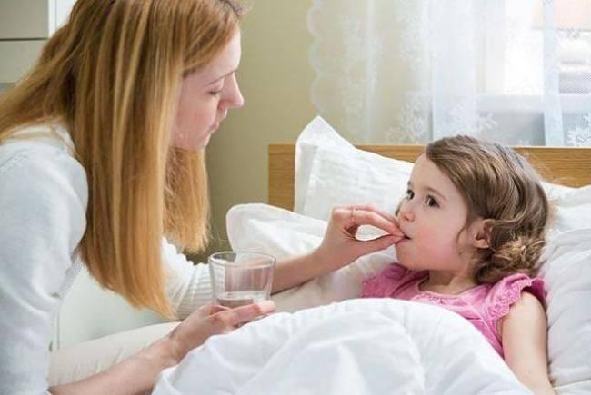 Чем лечить понос у ребенка в домашних условиях?