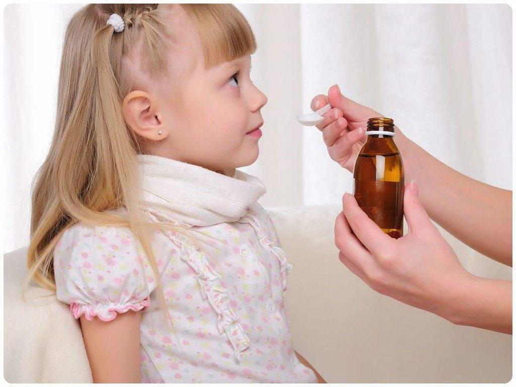 Как облегчить кашель у ребенка в домашних условиях ночью - чем помочь при сухом горле? | процедуры | vpolozhenii.com