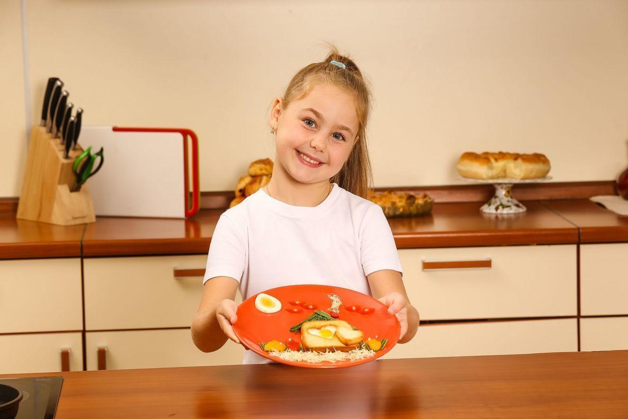 Простые рецепты для детей 12 лет: блюда, которые ребенок может приготовить сам без родителей