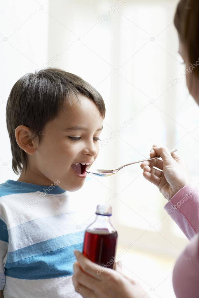 Можно ли давать ребенку таблетки. как дать горькую таблетку маленькому ребенку: полезные советы для родителей