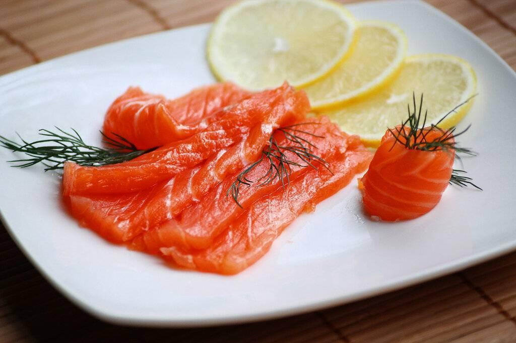 Красная рыба, запеченная в духовке: 5 вкусных рецептов лосося, форели и горбуши