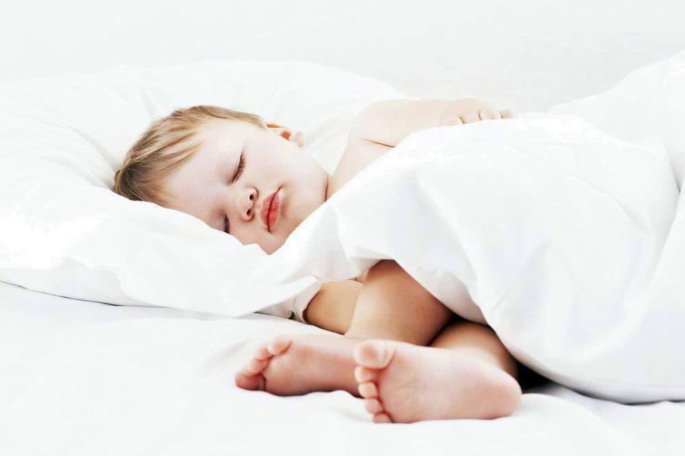 Как отучить ребёнка писать в кровать?