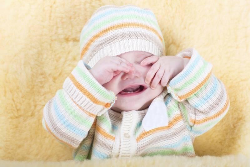 Как успокоить ребенка: 9 способов укачать плачущего малыша