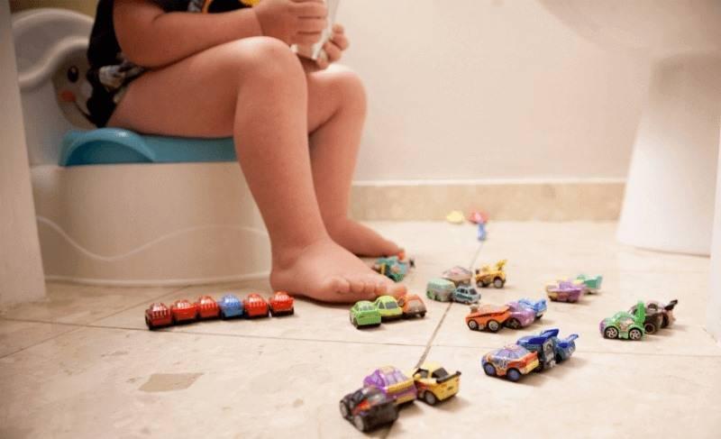 Психологический запор у ребенка в 2-3 года - что делать родителям?