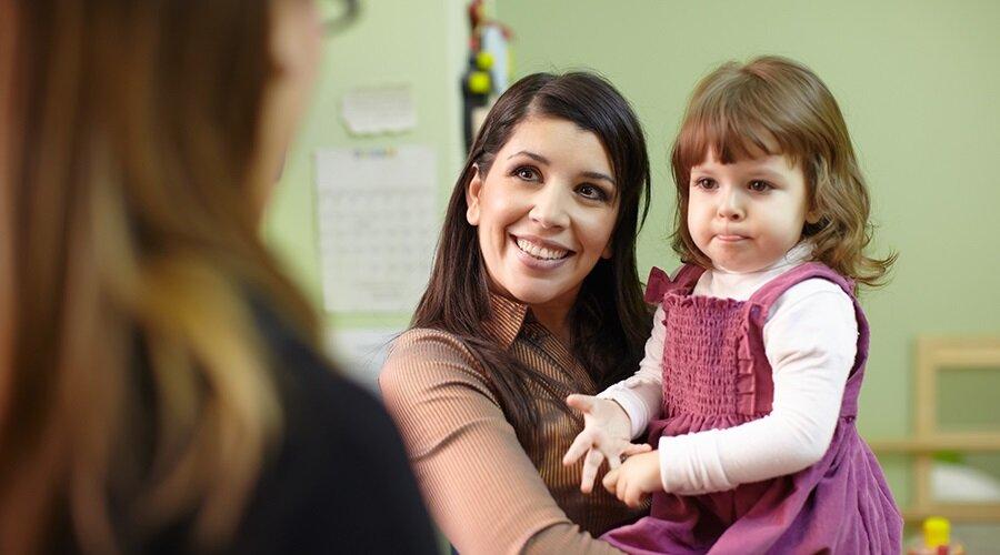 Нужен ли ребенку детский сад: за и против, мнения психологов
