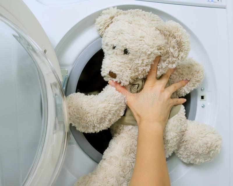 Как стирать мягкие игрушки: сухая чистка, машинная, средства