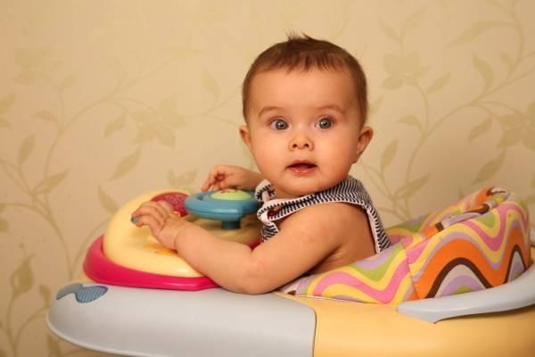 Со скольки месяцев можно сажать детей