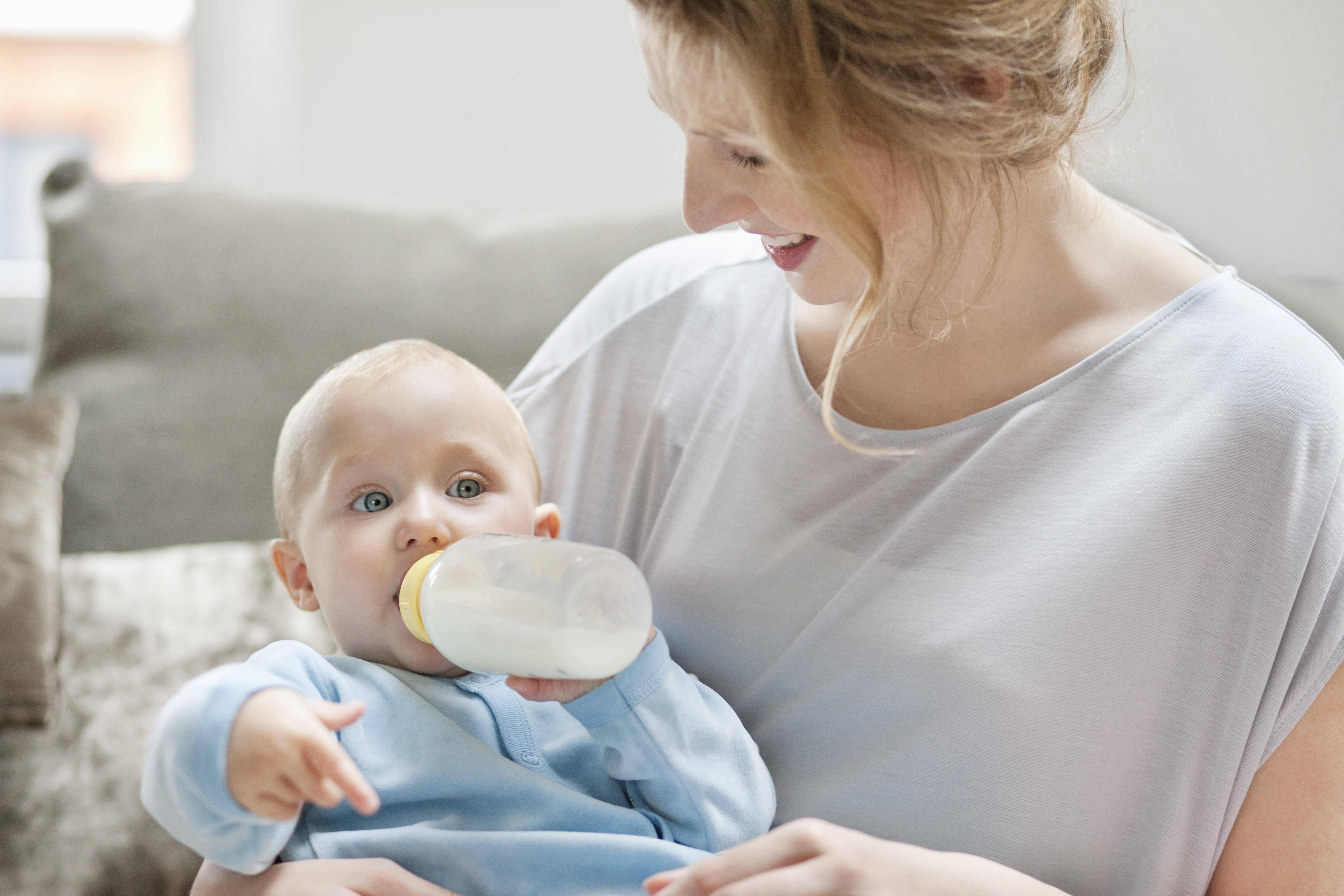Как отучить ребенка от ночного кормления