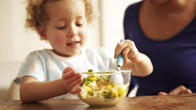 Диета при запорах у детей: что можно кушать ребенку, слабительные продукты и питание, богатое клетчаткой, а также стол номер 3 и вкусное меню