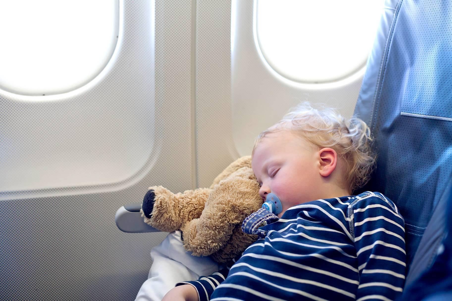 Дети и самолет: взгляд педиатра - летидор