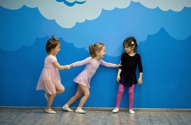 Стоит ли ребенку посещать детский сад — освещаем в общих чертах