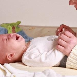Как помочь новорожденному сходить в туалет