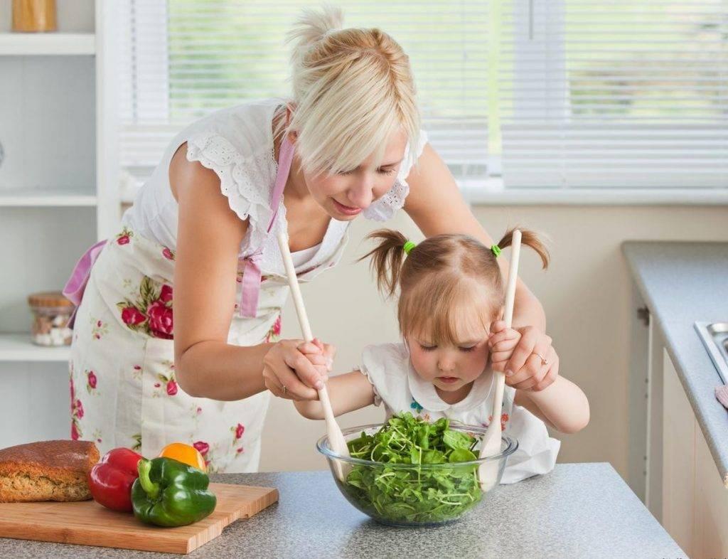 Как научить ребенка сморкаться с раннего возраста