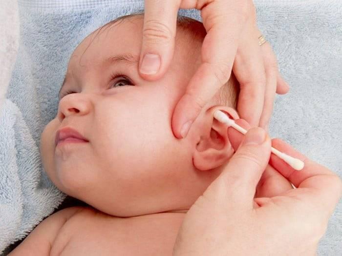 Как почистить ребенку уши от серных пробок в домашних условиях? как правильно чистить уши грудничкам до года и детям постарше от серы и других загрязнений
