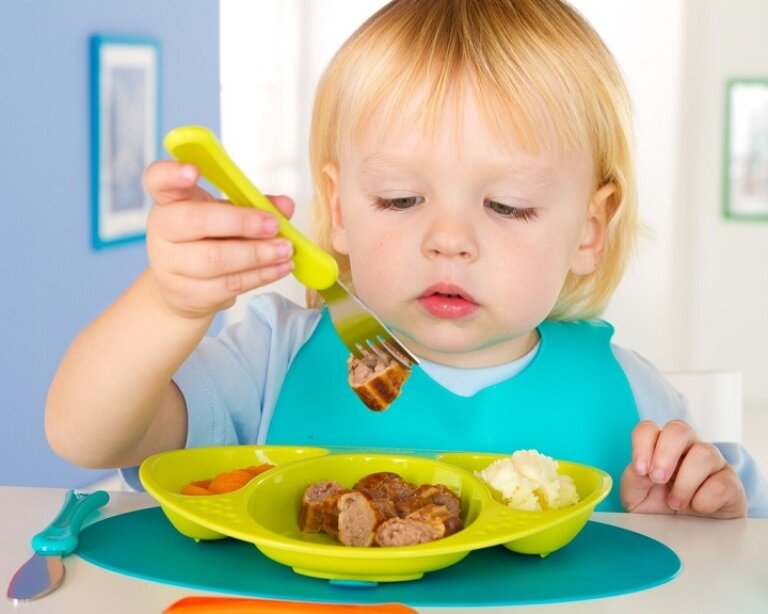 Как быстро научить ребенка жевать