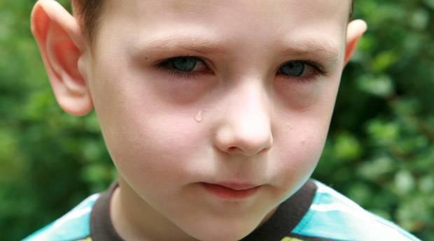 Причины и лечение синяков под глазами у ребенка