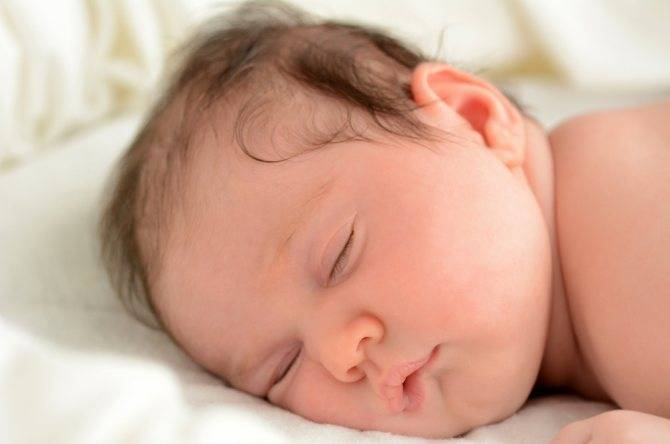 Новорожденный когда засыпает закатывает глаза