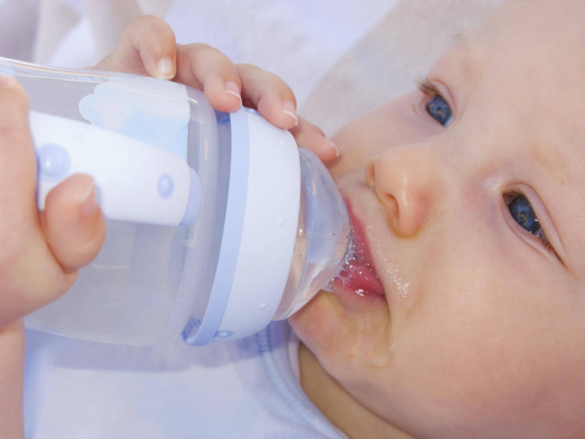 Младенец икает после кормления что делать и как остановить • твоя семья - информационный семейный портал