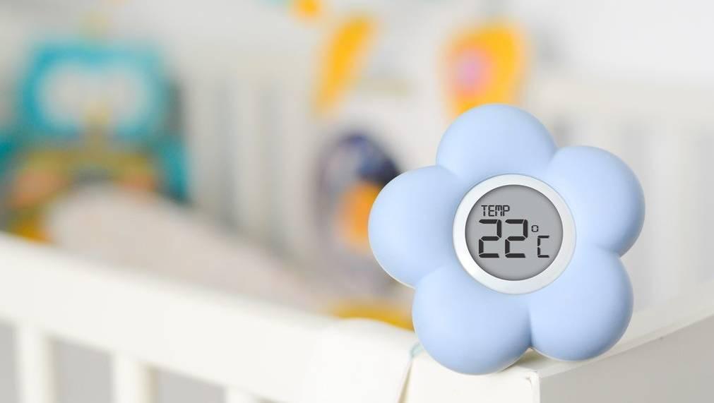Какая оптимальная температура должна быть в комнате новорожденного