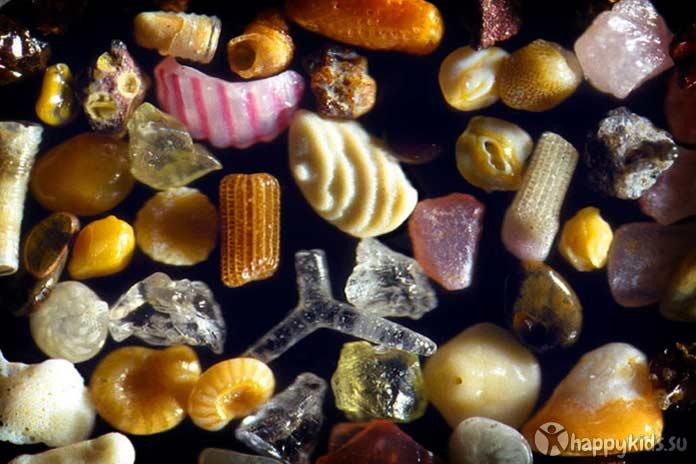 Почему ребенок ест землю и песок, чего не хватает организму и что делать? почему дети едят песок и что с этим делать.