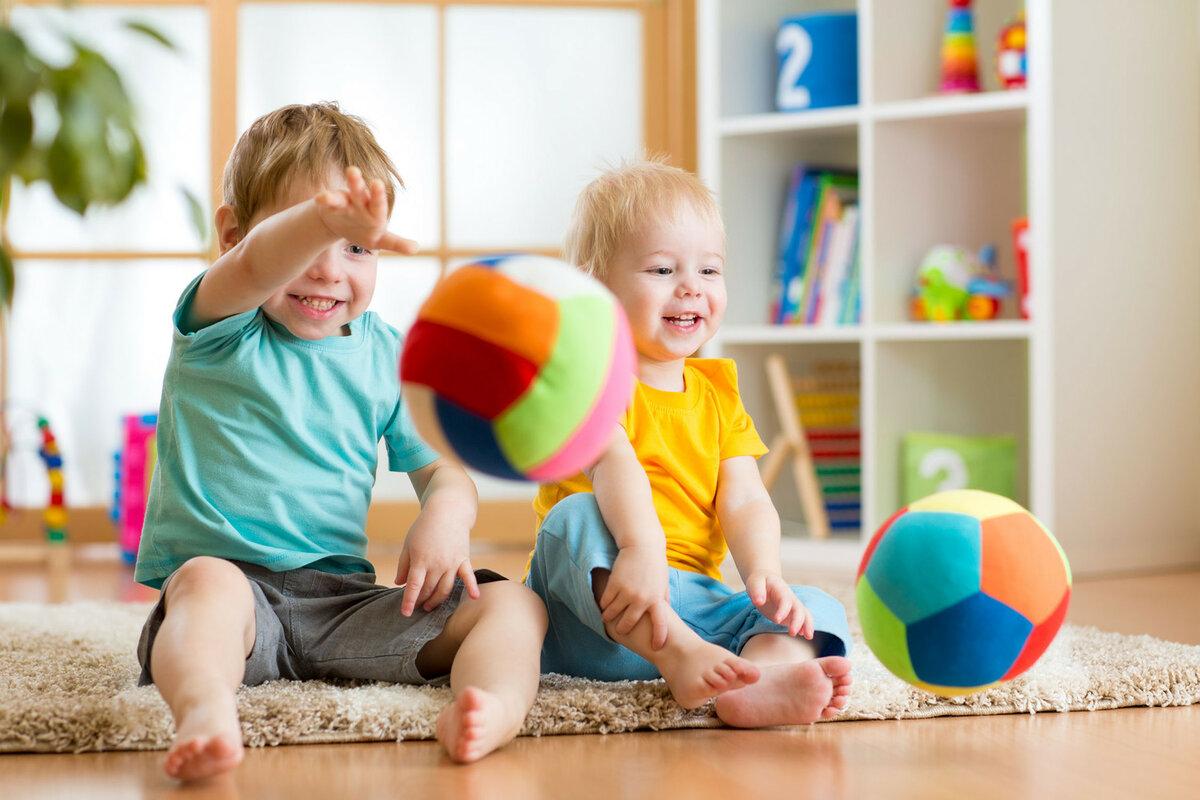 В каком возрасте лучше отдавать ребенка в детский сад, ясли: со скольки берут? | konstruktor-diety.ru