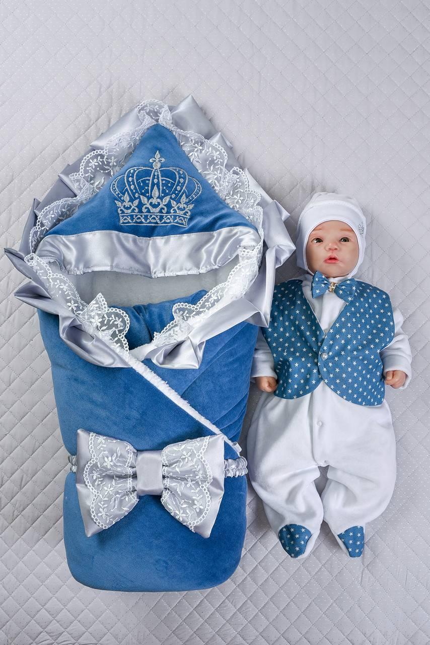 Что лучше на выписку новорождённого зимой: конверт или комбинезон
